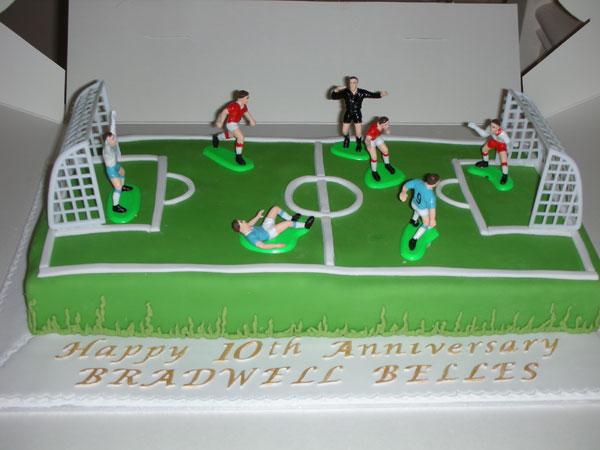 Cricket Pitch Cake Decoration